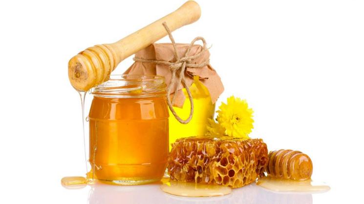 Cách trị mụn bọc tại nhà bằng mật ong