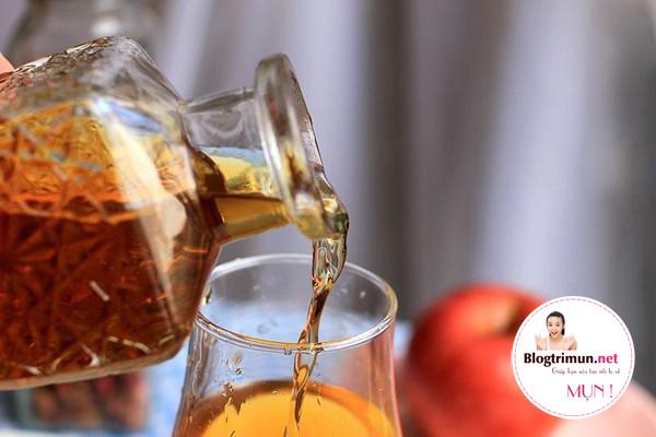 Nước giấm táo giúp trị mụn cực hiệu quả