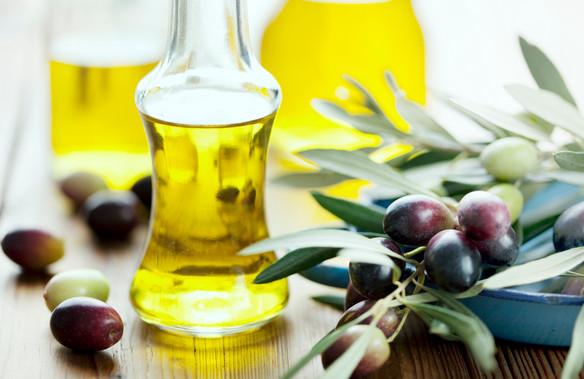 tri-mun-hieu-qua-bang-tinh-dau-olive